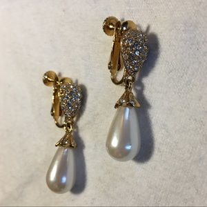 Exquisite diamond and pearl earrings - non pierced